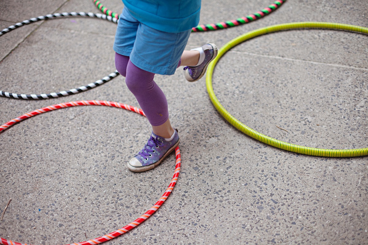 5 Totally Great Games to Play with a Hula Hoop