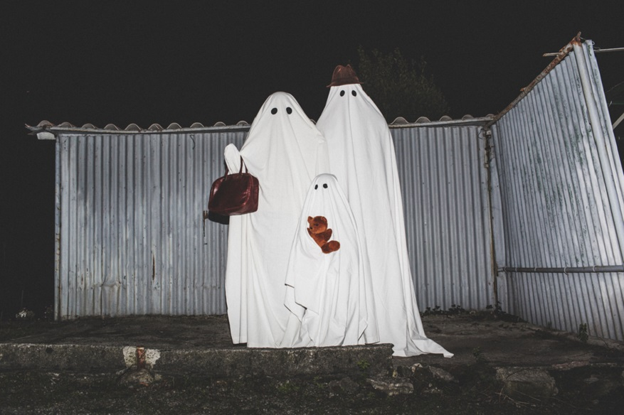 ghost family halloween
