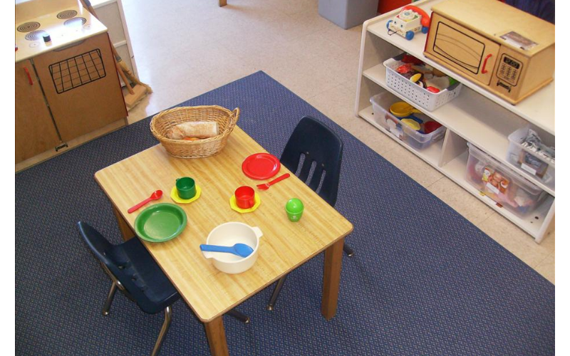 Private Kindergarten Home Living