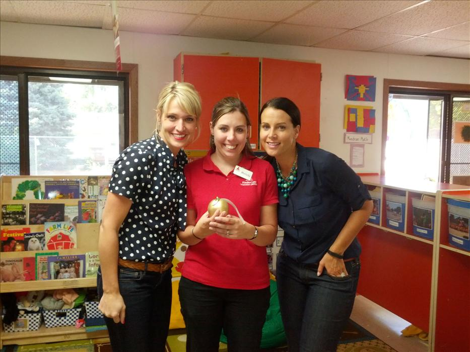 Prekindergarten Teacher wins an award from District Manager and Region Vice President.