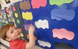 Learning colors in Discovery Preschool!