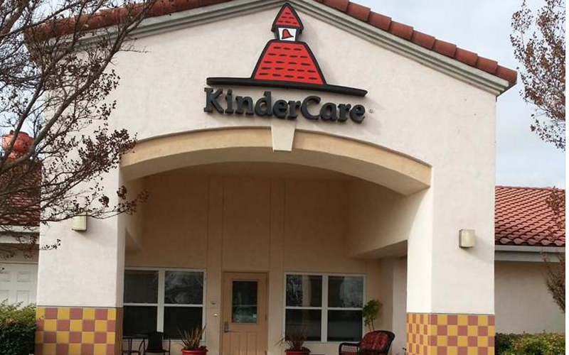 Dublin KinderCare front of building.