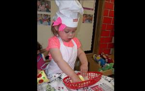 Making Pizza in the toddler room