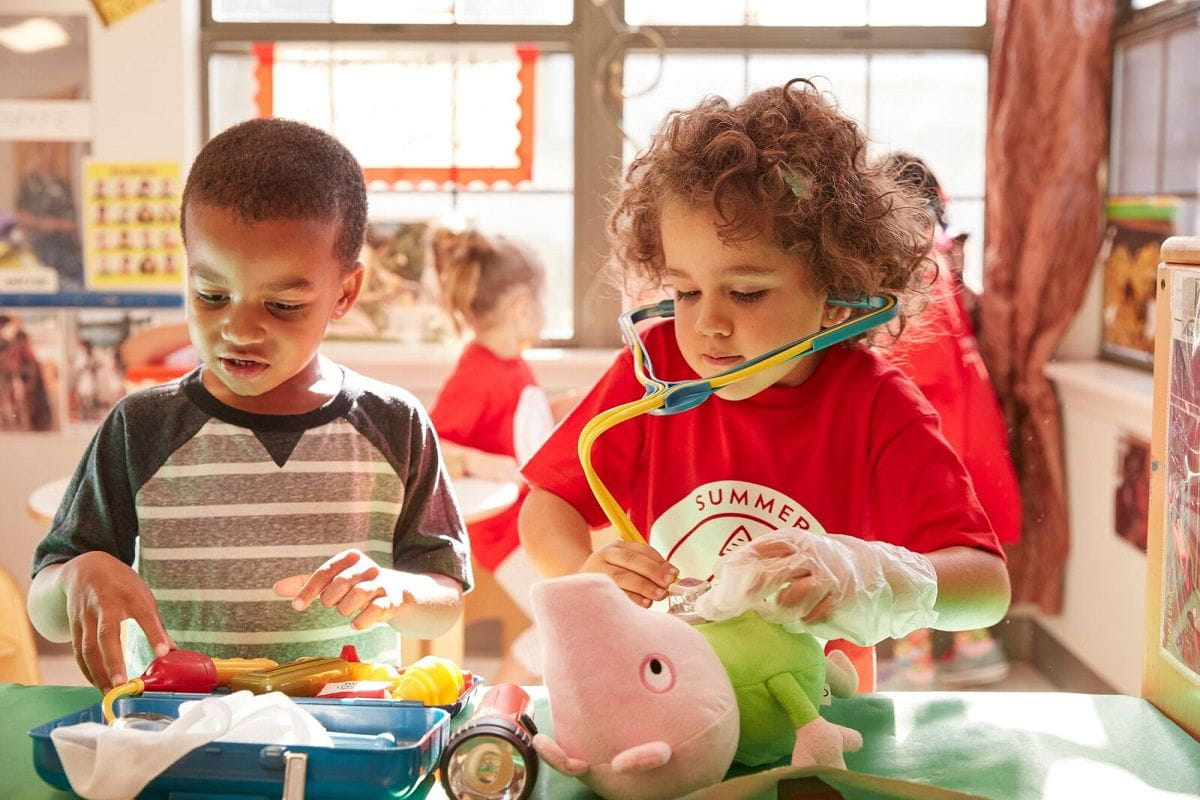 Fantasy Based Pretend Play Is >> Pretend Play How Caring For Stuffed Animals Nurtures Empathy